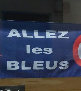 Drapeau Allez les Bleus chez Drapazur (entreprise Varinard)